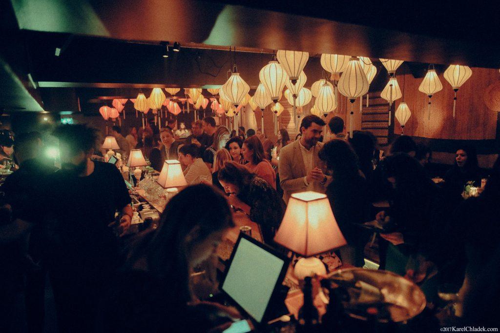 Old Montreal restaurant nhau bar ha montreal
