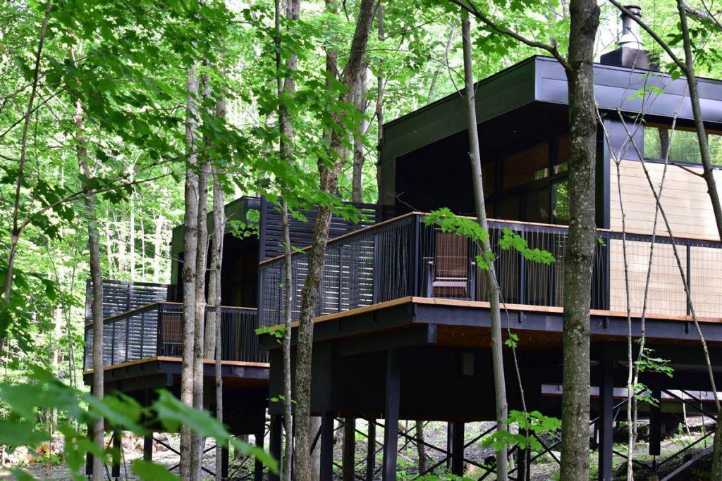 kabin in the woods for romantic getaway