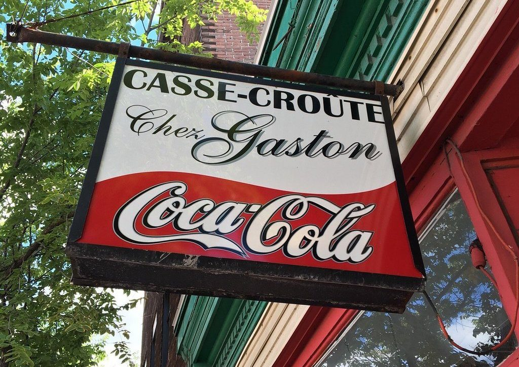 casse croute chez gaston sign in quebec city