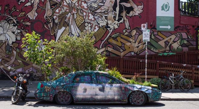 green car toronto kensington market