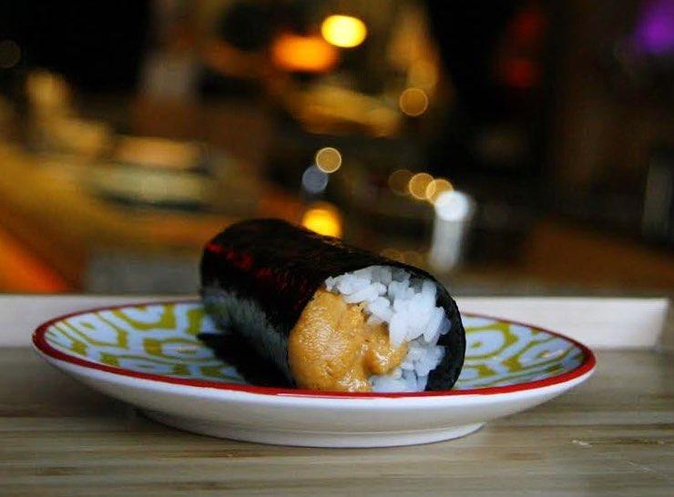 omai toronto restaurants sushi hand roll