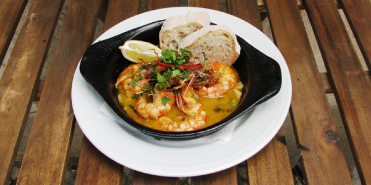 Prawns in garlic sauce dish